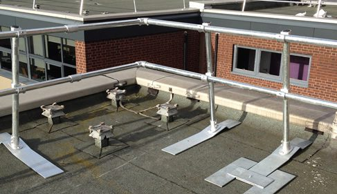 freestanding protective roof barrer made with key clamps
